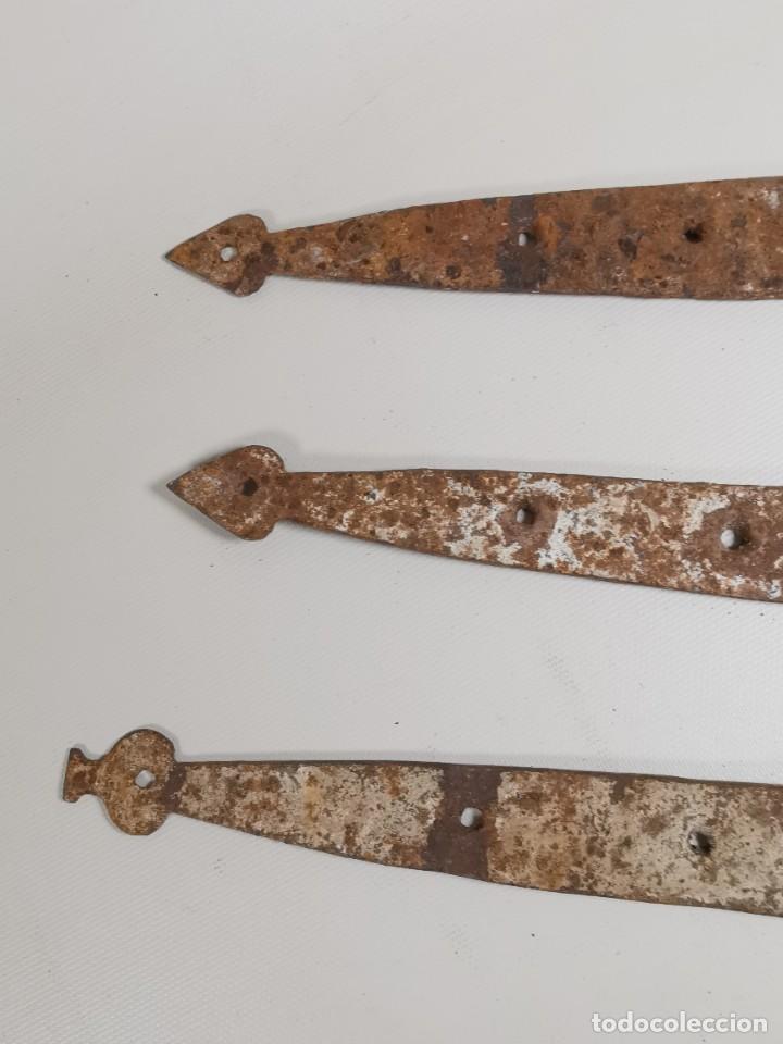 Antigüedades: LOTE BISAGRAS PARA TAPA DE ARCON ARCA BAUL CATALAN SIGLO XVIII ORIGINAL - Foto 13 - 259025200