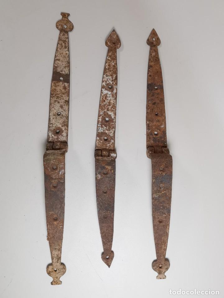 Antigüedades: LOTE BISAGRAS PARA TAPA DE ARCON ARCA BAUL CATALAN SIGLO XVIII ORIGINAL - Foto 14 - 259025200