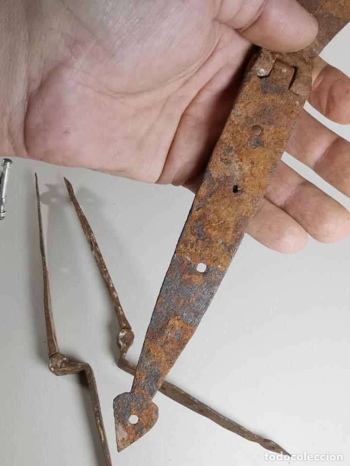 Antigüedades: LOTE BISAGRAS PARA TAPA DE ARCON ARCA BAUL CATALAN SIGLO XVIII ORIGINAL - Foto 29 - 259025200