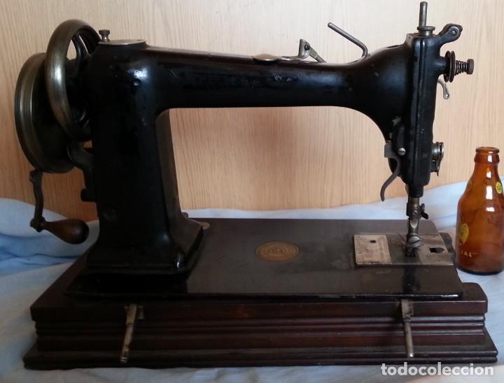Antigüedades: Máquina de coser antigua. Marca Wheeler & Wilson. - Foto 2 - 259229095