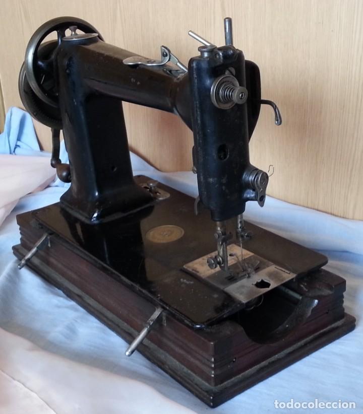 Antigüedades: Máquina de coser antigua. Marca Wheeler & Wilson. - Foto 3 - 259229095