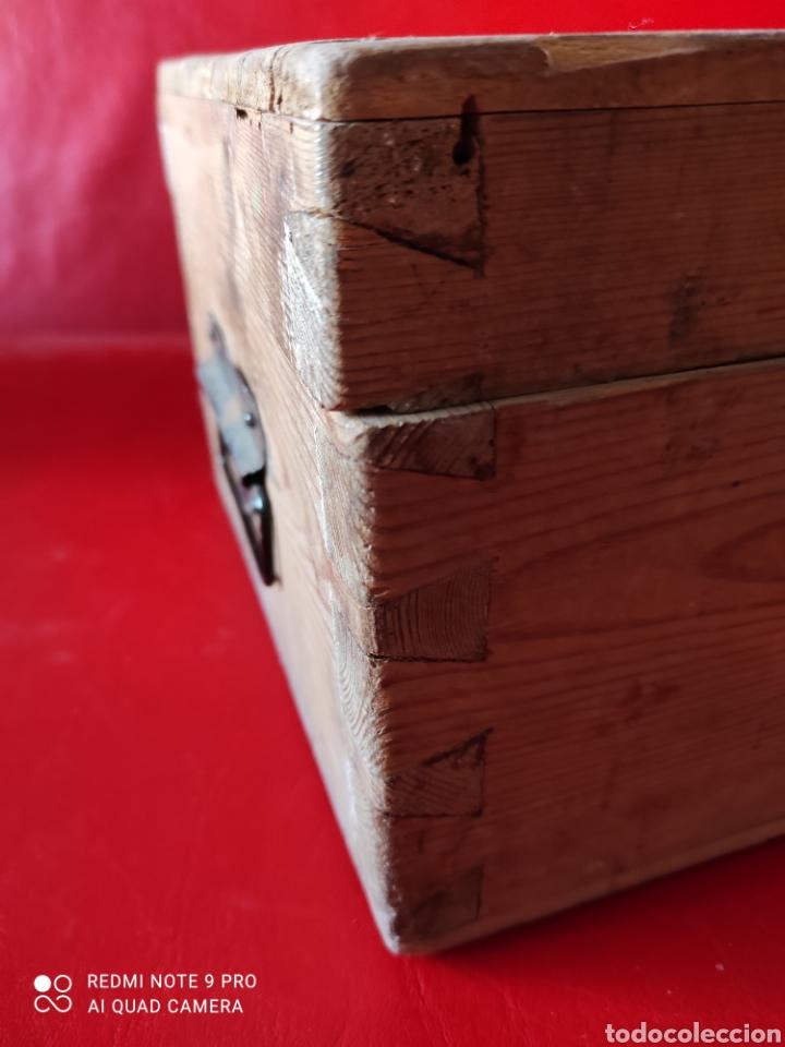 Antigüedades: Antigua caja de herramientas de carpintero en madera - Foto 8 - 203612953