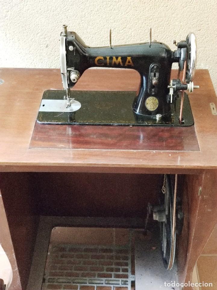 Antigüedades: Antigua máquina de coser CIMA, Estarta y Ecenarro, 1940 - Con mueble excepcional - Foto 2 - 259323615