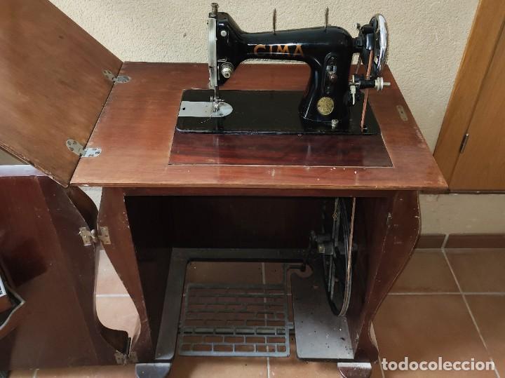 Antigüedades: Antigua máquina de coser CIMA, Estarta y Ecenarro, 1940 - Con mueble excepcional - Foto 3 - 259323615