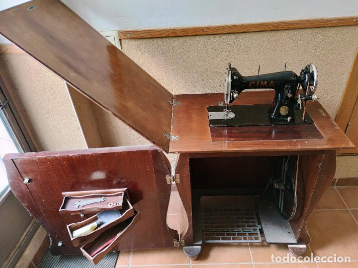 Antigüedades: Antigua máquina de coser CIMA, Estarta y Ecenarro, 1940 - Con mueble excepcional - Foto 16 - 259323615
