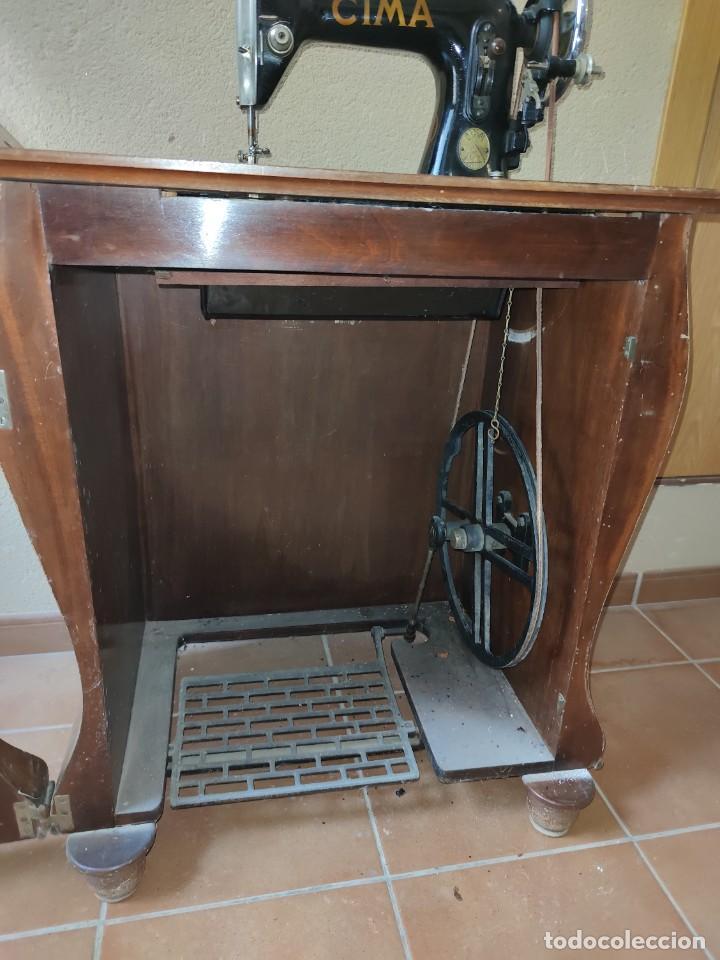 Antigüedades: Antigua máquina de coser CIMA, Estarta y Ecenarro, 1940 - Con mueble excepcional - Foto 17 - 259323615