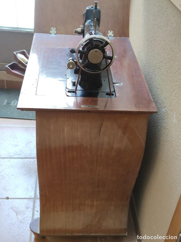 Antigüedades: Antigua máquina de coser CIMA, Estarta y Ecenarro, 1940 - Con mueble excepcional - Foto 20 - 259323615