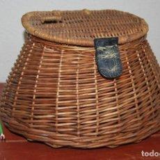 Antigüedades: CESTA DE PESCA DE CAÑA O MIMBRE - PESCADOR. Lote 259755065