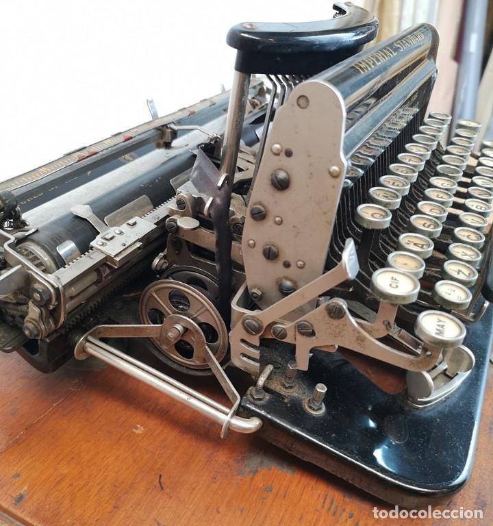 Antigüedades: Máquina de Escribir Imperial Standard - Foto 8 - 260078135