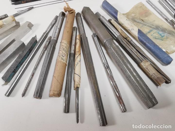 Antigüedades: IMPORTANTE LOTE MAS DE 50 PIEZAS UTILES ESCARIADORES -BROCAS-CUCHILLAS MECANICO AJUSTADOR TORNERO - Foto 10 - 260112175