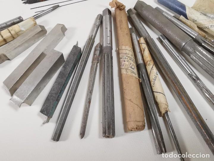 Antigüedades: IMPORTANTE LOTE MAS DE 50 PIEZAS UTILES ESCARIADORES -BROCAS-CUCHILLAS MECANICO AJUSTADOR TORNERO - Foto 11 - 260112175