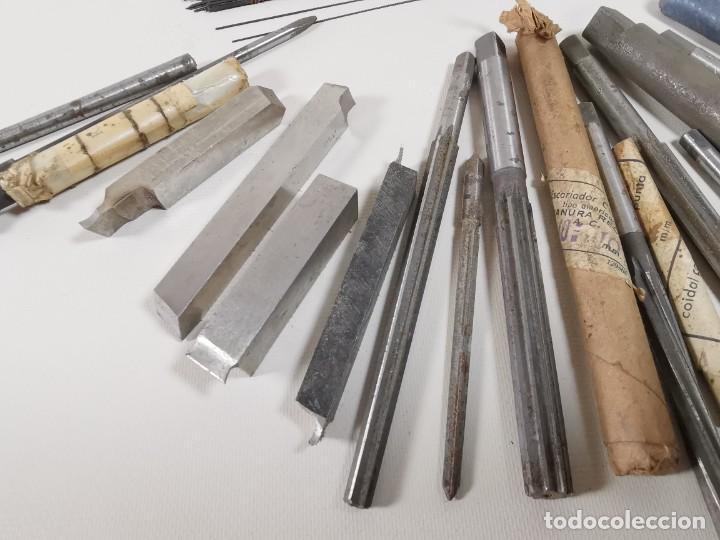 Antigüedades: IMPORTANTE LOTE MAS DE 50 PIEZAS UTILES ESCARIADORES -BROCAS-CUCHILLAS MECANICO AJUSTADOR TORNERO - Foto 12 - 260112175