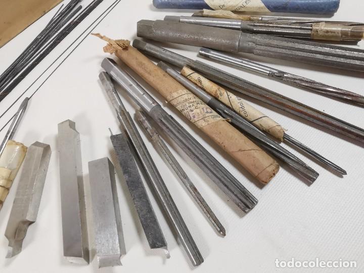 Antigüedades: IMPORTANTE LOTE MAS DE 50 PIEZAS UTILES ESCARIADORES -BROCAS-CUCHILLAS MECANICO AJUSTADOR TORNERO - Foto 22 - 260112175