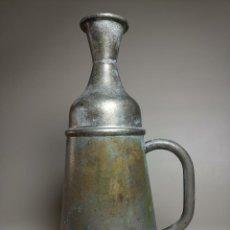 Antigüedades: BARBERÍA JARRA PARA AGUA DE LAVARCABEZAS METAL ALREDEDORES DEL AÑO 1900 BARBERO PELUQUERÍA. Lote 260121070