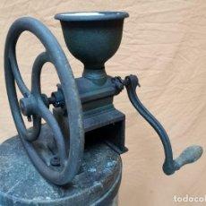 Antigüedades: MOLINILLO DE CAFE PEUGEOT FRERES DOBLE MANIVELA-VOLANTE MODELO CIRCA 1900. Lote 260344445