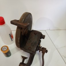 Antigüedades: MAQUINA ESMERIL AFILADO, MANUAL, ANTIGUA. Lote 260389560