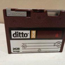 Antigüedades: ANTIGUO DITTO 2GB IOMEGA PC BUEN ESTADO VER FOTOS. Lote 260489950