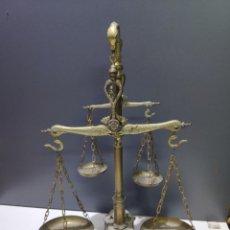 Antigüedades: ESPECTACULAR BALANZA DE GRAN TAMAÑO DOBLE PLATILLOS MANAUS BRAGA PORTUGAL. Lote 260567680