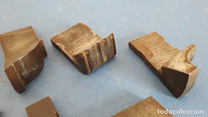 Antigüedades: lote cuchillas para molduras, acero sin marca de fabricante 9,5x4 a 5,5x1,5cm aprox - Foto 4 - 260818075