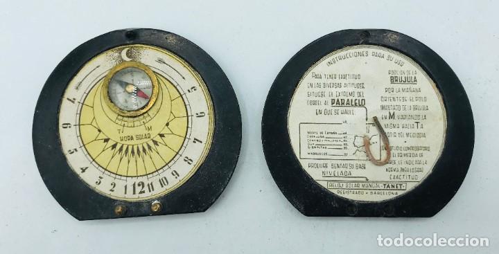 Antigüedades: Reloj solar manual con brújula Tanet, Barcelona, s. XX. Incluye instrucciones de uso. - Foto 2 - 260871195