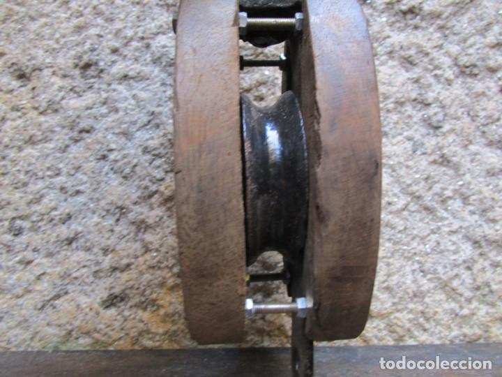 Antigüedades: PASTECA ROLDANA GARRUCHA , ROLDANA HIERRO, PARCIALMENTE RESTAURADA. + INFO - Foto 2 - 261117255