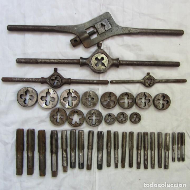 GRAN LOTE DE TERRAJAS Y MACHOS PARA HACER ROSCAS, VARIOS PORTATERRAJAS (Antigüedades - Técnicas - Herramientas Profesionales - Mecánica)
