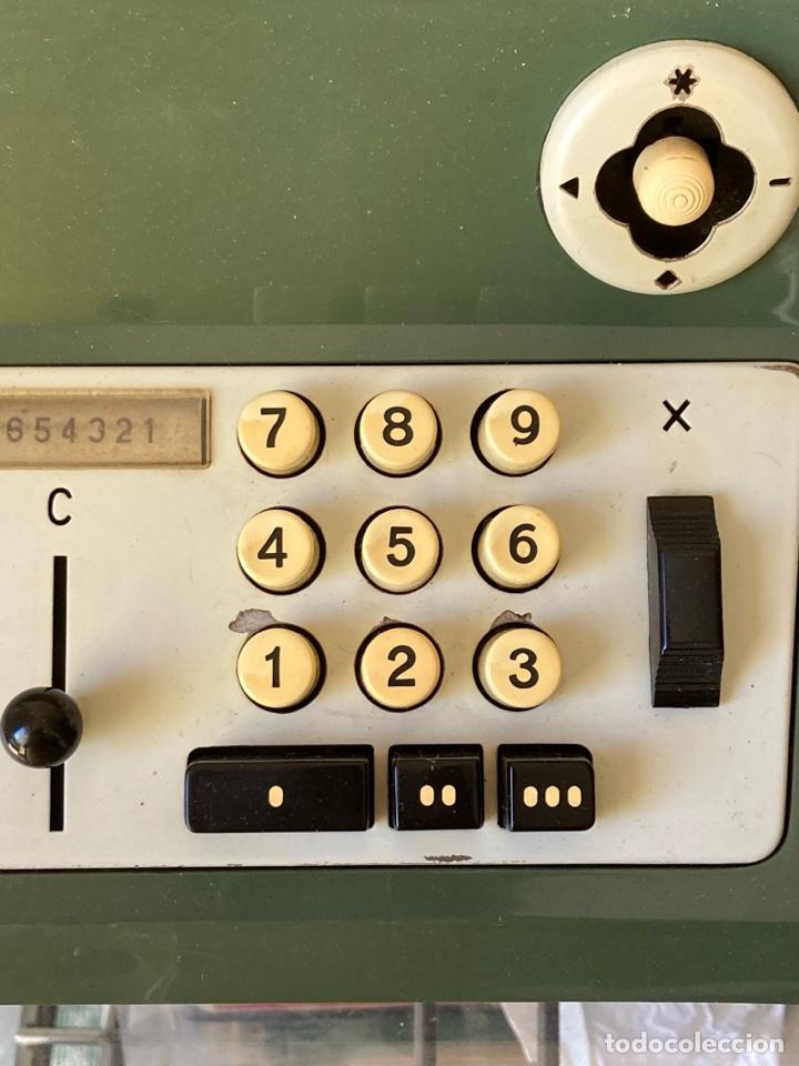Antigüedades: Antigua calculadora de mesa olivetti - Foto 2 - 261254920