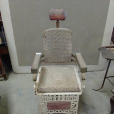 Antigüedades: SILLÓN DE BARBERO TRIUMPH. Lote 261258795