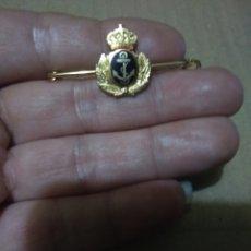 Antigüedades: ALFILER ARMADA ESPAÑOLA ESCUDO ESCARAPELA (OFICIAL). Lote 261293955