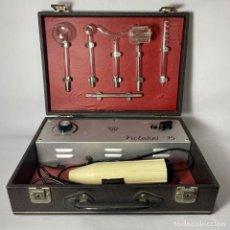 Antigüedades: MALETÍN DE APARATO DE ELECTROTERAPIA (VICTOBEL). Lote 261364325