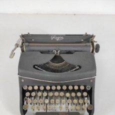 Antigüedades: MAQUINA DE ESCRIBIR - MARCA REGIA. Lote 261556080