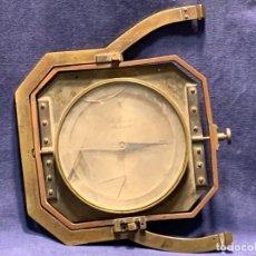 Antigüedades: BRUJULA NAUTICA MOVIL BRONCE S XIX A SANTI MARSEILLE FRANCIA 24X28CMS. Lote 261660165
