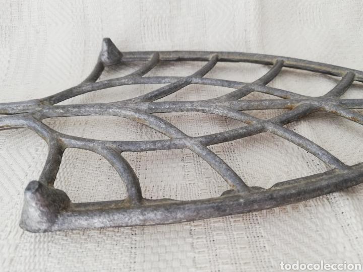 Antigüedades: VINTAGE, BASE, SOPORTE POSA PLANCHA, METAL, ALUMINIO - Foto 6 - 261958680