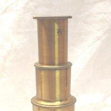 Antigüedades: MICROSCOPIO CAMPAÑA S XIX, COMPLETO BUEN ESTADO. MED. 5 X 15 CM. Lote 261994875