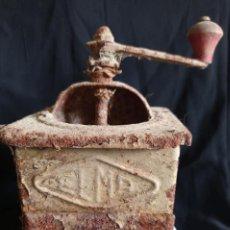 Antigüedades: MOLINILLO DE CAFÉ DE CHAPA MARCA ELMA.. Lote 262037455