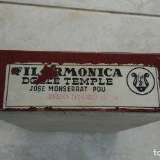 Antigüedades: CAJA VACIA PARA CAJAS DE NAVAJAS DE BARBERO FILARMÓNICA DOBLE TEMPLE SELLO DE ORO 14. Lote 262043160