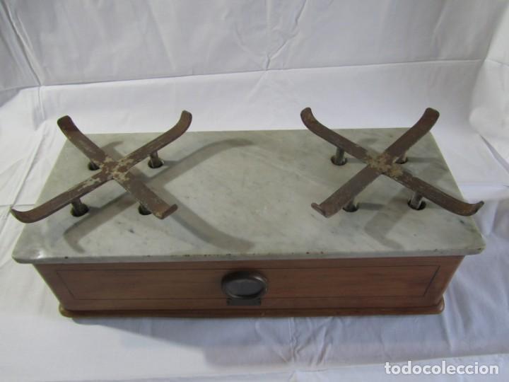 Antigüedades: Báscula o balanza madera y mármol, bandejas de latón, Alfonso García Constructor Madrid 10 kg - Foto 26 - 262059510