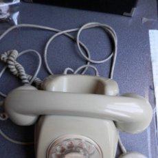 Teléfonos: TELÉFONO DE MESA AÑOS 70 - VINTAGE - TELEFÓNICA FUNCIONANDO Y COMPLETO. Lote 262074190