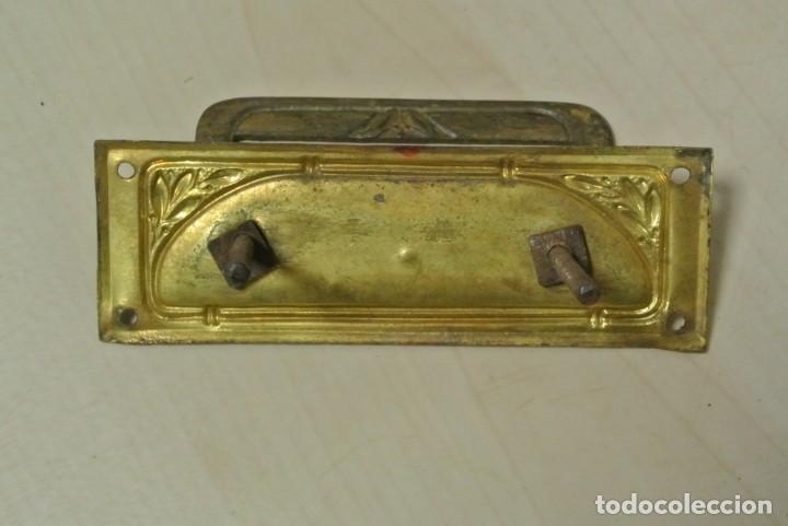 Antigüedades: JUEGO DE CUATRO TIRADORES DE BRONCE - Foto 4 - 262095380
