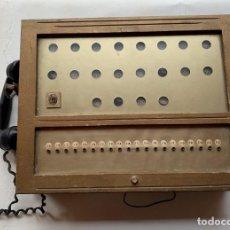 Teléfonos: ANTIGUA CENTRALITA TELEFONICA MADERA CON AURICULAR DE BAQUELITA. Lote 262126365