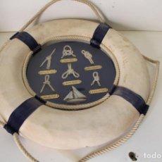 Antigüedades: NAÚTICO. SALVAVIDAS AZUL. BARCO Y NUDOS MARINEROS.. Lote 262165480
