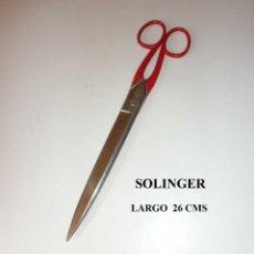 Antigüedades: ANTIGUA TIJERA PROFESSIONAL FIRMA SOLINGER 26 CMS W. GERMANY AÑOS 50. Lote 262367295
