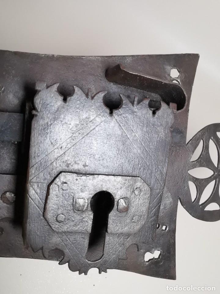 Antigüedades: IMPORTANTE CERRADURA GRAN TAMAÑO FORJA DE MAESTRIA CATALANA . SIGLO XVII-XVIII SIN LLAVE - Foto 26 - 262535685
