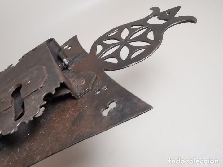 Antigüedades: IMPORTANTE CERRADURA GRAN TAMAÑO FORJA DE MAESTRIA CATALANA . SIGLO XVII-XVIII SIN LLAVE - Foto 37 - 262535685