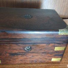 Antigüedades: CAJA - ESCRITORIO ESCRIBANIA DE BARCO O DE VIAJE. Lote 262684505