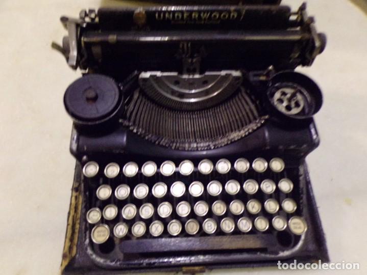Antigüedades: maquina de escribir portatil con su maleta de madera underwood - Foto 2 - 262692660