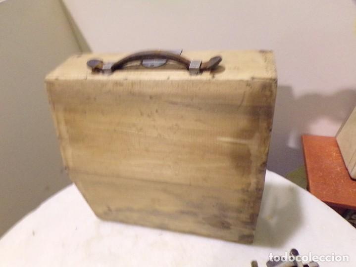 Antigüedades: maquina de escribir portatil con su maleta de madera underwood - Foto 8 - 262692660