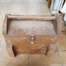 Antigüedades: MALETA PARA HERRAMIENTAS REALIZADA EN MADERA. Lote 262866905