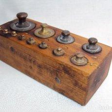Antigüedades: JUEGO DE PESAS 1KG (CLARO). Lote 262869010