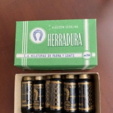 Antigüedades: 9 BOBINAS HILO NEGRO HERRADURA. FABRA Y COATS. Lote 262902170